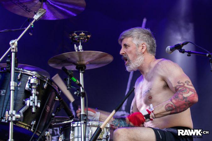 Erinç von Mantar beim Auftritt am Greenfield Festival 2018.